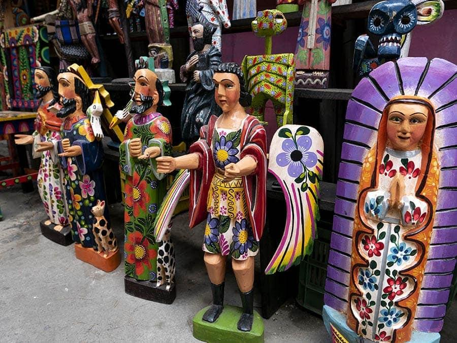 Esculturas de madera artesanales de Guatemala